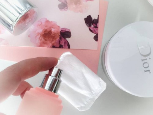 Dior One Essential Mist-Lotion on Cotton